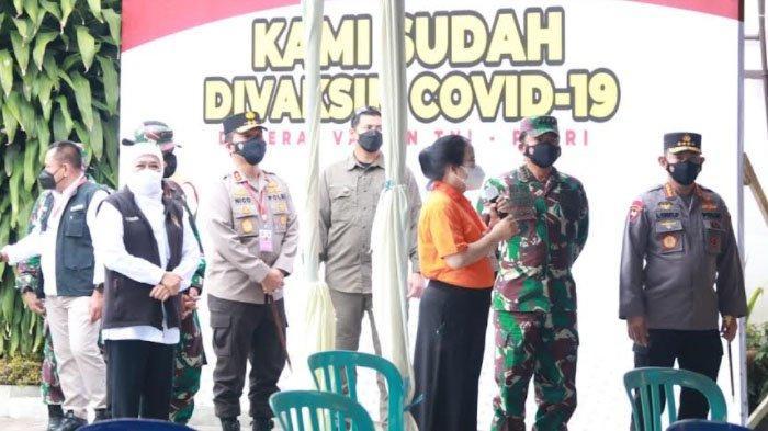 Panglima TNI dan Kapolri Tinjau Serbuan Vaksinasi Covid-19 di Sekolah Kota Malang