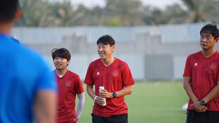 Pelatih Timnas indonesia, Shin Tae-yong membei semangat ke Evan Dimas dkk jelang lawan Uni Emirat Arab (UEA) dalan Kualifikasi Piala Dunia 2022.