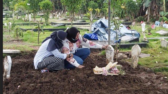 Ibu Almarhumah Curigai Memar di Pipi dan Darah di Hidung, Makam Aghita Dibongkar Polisi