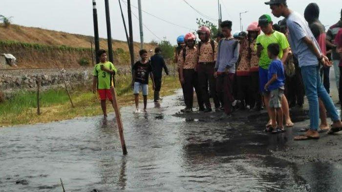 Genangan Air di Jalan Porong Sidoarjo yang sempat Dikira Tanggul Lapindo Jebol ternyata . . . .
