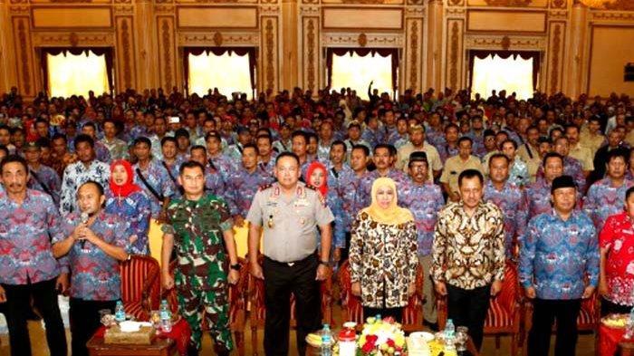 Khofifah pada Silaturahmi PPDI Jatim dan Forkopimda: Perangkat Desa Ujung Tombak Sukses Pemilu 2019