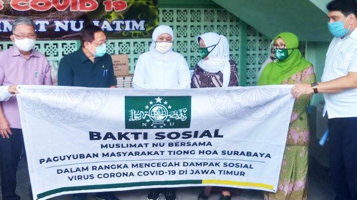 Tionghoa Surabaya Salurkan Ribuan Masker dan Sabun Cuci serta 10 Ton Beras kepada Muslimat NU Jatim