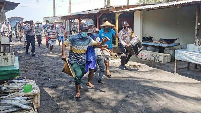 Mantapkan Koordinasi Lintas Sektor dalam Simulasi Bencana Tsunami di Pantai Konang Trenggalek