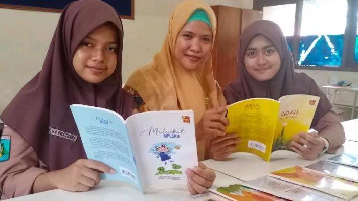 SMAN 15 Surabaya Bikin Buku dari Kumpulan Karya Siswa, Berisi Pengalaman Mereka Mengikuti MPLS