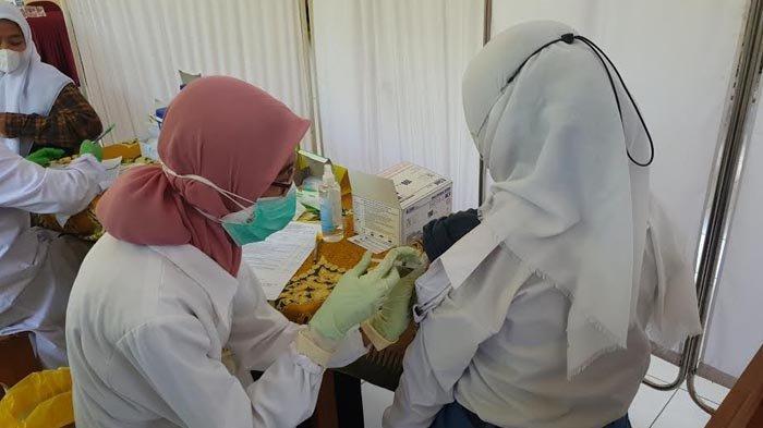 1.000 Pelajar SMK Mojokerto Jalani Vaksinasi Covid-19 Massal, Siswa Berharap Segera Dimulai PTM