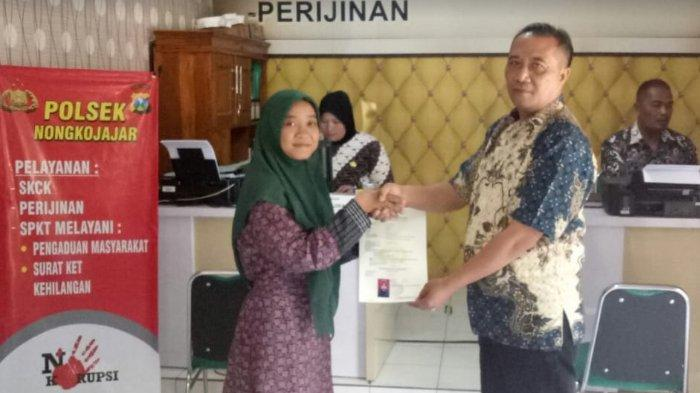 Hari Batik Nasional, Polisi Gratiskan Biaya Pengurusan SKCK Bagi Pemohon yang Pakai Baju Batik