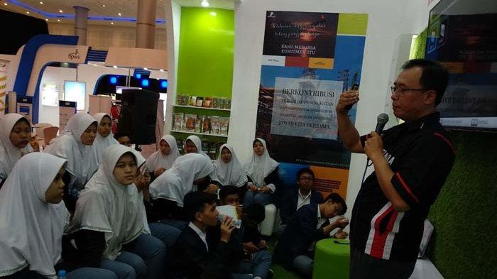 Pelajar SMA/SMK Serbu SKK Migas di Arena Jatim Fair 2018 di Surabaya