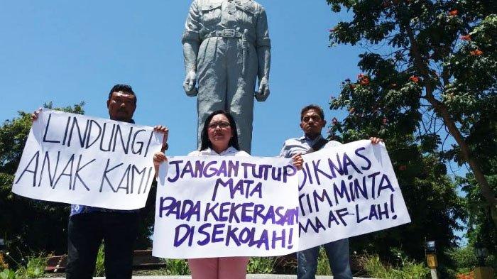 Wali Murid Demo Kekerasan di SMKN 1 Surabaya, Tuntut  Kadindik Jatim Minta Maaf, ini Alasannya