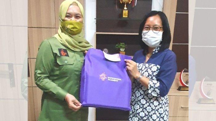 Sampoerna Academy Surabaya Donasikan 550 Buku ke Dinas Perpustakaan Jawa Timur