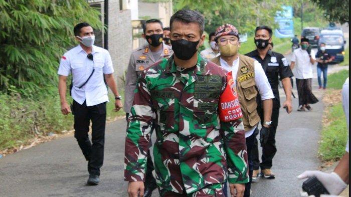 Habis-Habisan Sadarkan Pentingnya Prokes, Bupati Bangkalan dan Kapolres-Dandim Rela Jalan Kaki
