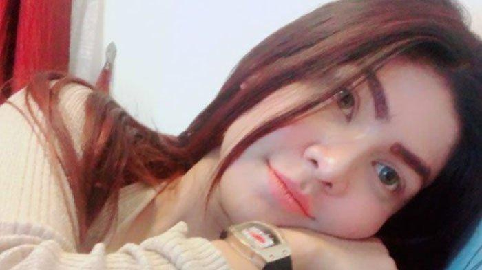 Beiby Putri, model majalah dewasa yang ditangkap polisi karena narkoba.