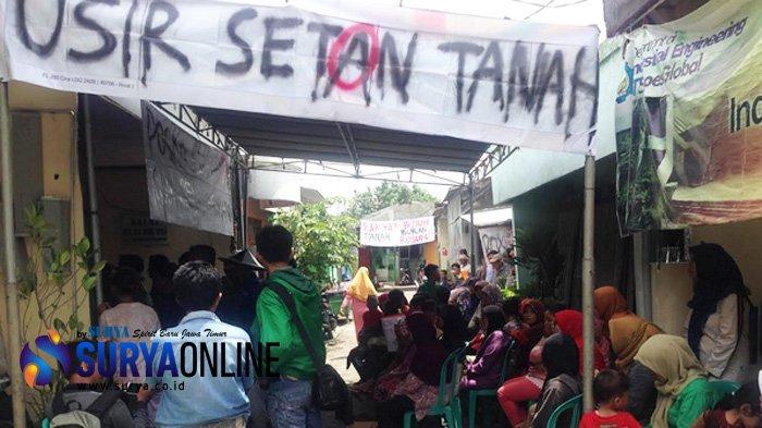 Warga Tolak Perluasan Makam Umum Keputih Surabaya, Spanduk Bertebaran di Medokan Semampir