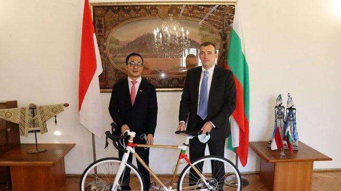 Sepeda untuk Presiden Bulgaria, Buatan Singgih, Asli Temanggung, Merk Spedagi