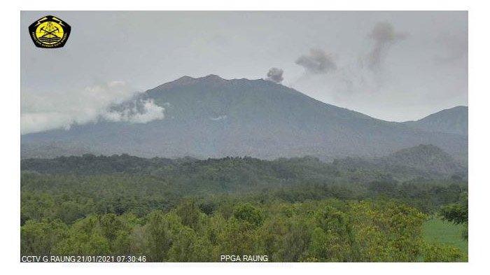 Status Gunung Raung Kembali Naik Menjadi Waspada, Terekam Aktivitas Gempa dan Asap Keabu-abuan