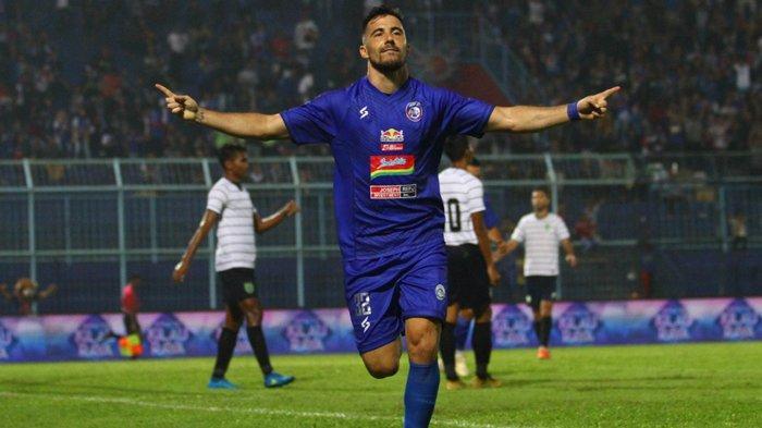 Pemain Asing Arema FC Dipastikan Absen Latihan Perdana saat Pandemi Covid-19, Ini Penyebabnya