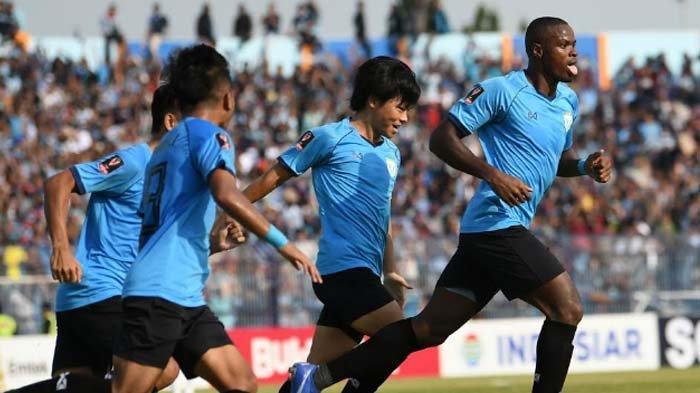 Persela Lamongan Vs Madura United:Tuan Rumah sementara Tertinggal 1-2 hingga akhir Babak Pertama