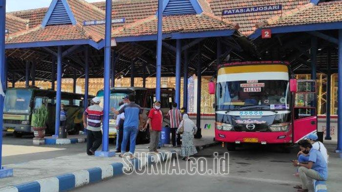 PO Belum Jalankan Semua Bus Usai Larangan Mudik Lebaran 2021 di Terminal Patria Blitar
