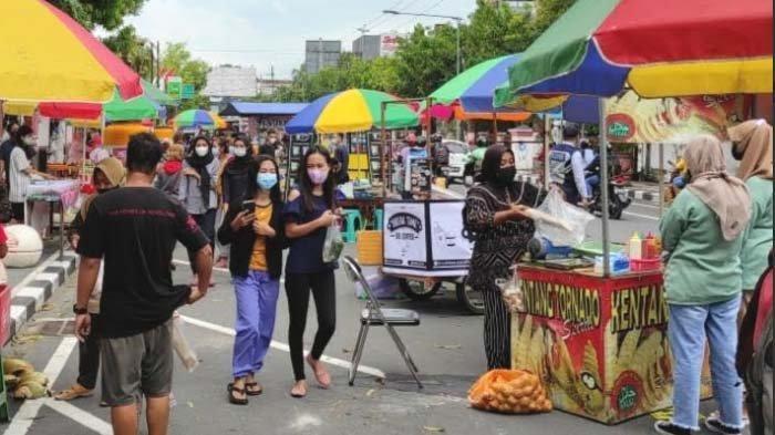 Pasar Takjil Kota Blitar kembali Digelar, Tina MengakuBisa Dapat Laba Bersih Rp 3 Juta Per Bulan