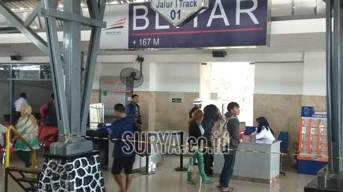 Kurang Dua Bulan, Ketersediaan Tiket KA Lebaran di Stasiun Blitar Sudah Menipis