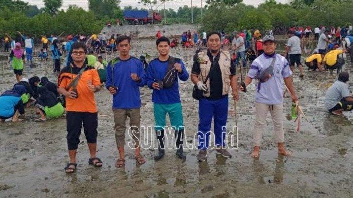Peringati HPN 2020, Forum Wartawan Pamekasan Gandeng Relawan Tanam 1.000 Pohon Mangrove