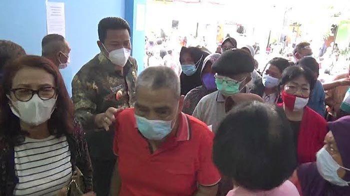 Salah Teknis, Vaksinasi Malah Berujung Kerumunan Warga di Puskesmas Sidoarjo Kota