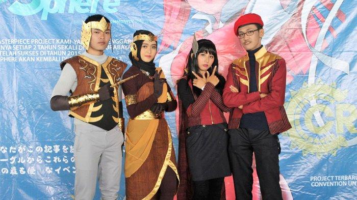 Cosplay Indonesia Berbusana Lurik, Keren Gitu Loh