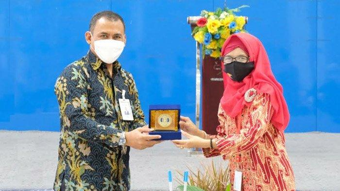 Penandatanganan MoU STIESIA Surabaya dengan PT Pegadaian Kantor Wilayah XII
