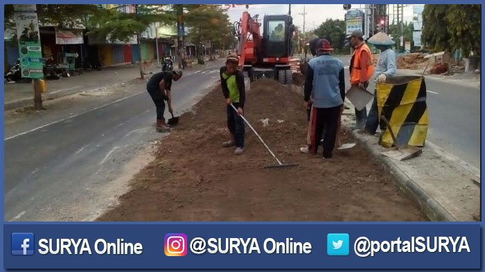 Warga Sesalkan Perbaikan Jalan Rusak Nganjuk - Ngawi Bersamaan Libur Nataru