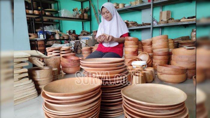Dari Kendang Jimbe, Susilowati Beralih Membuat Perabotan Dapur untuk Bertahan di Masa Pandemi