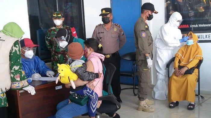 Puluhan Warga Madura Diperiksa di Pelabuhan Situbondo, Mengaku Belum Di-Rapid Sebelum Menyeberang