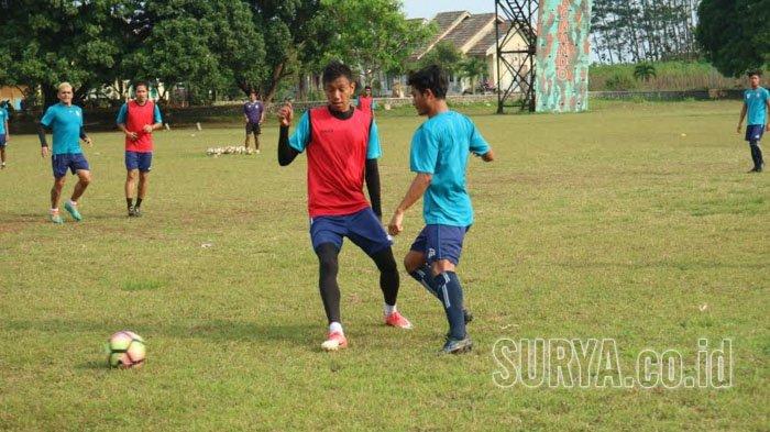 Dijamu Bali United, Singo Edan akan Batasi Gerak Sylvano Comvalius