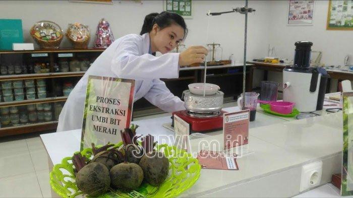 Mahasiswi Surabaya Bikin Tabir Surya dari Buah Bit, Seperti Ini Hasilnya