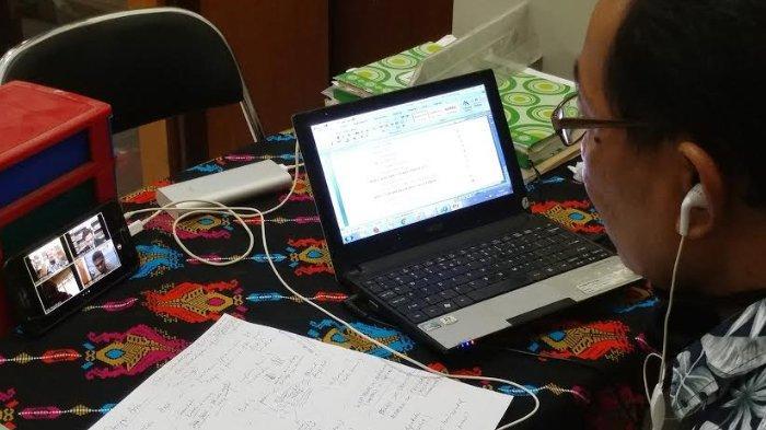 Sekolah di Jember Gabungkan Pembelajaran Jarak Jauh TVRI dengan Modul Sekolah