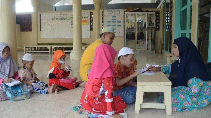 Pelajar Penghafal Alquran di Surabaya Akan Dapat Tunjangan, Segini yang Diterima per Bulan
