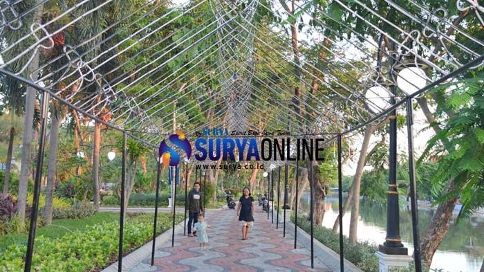 Galeri Foto Suasana Taman Baru di Stren Kalimas Kawasan Ngagel Surabaya