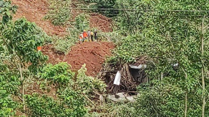 BPBD Kabupaten Kediri Bantu Penanganan Bencana Tanah Longsor di Ngetos Kabupaten Nganjuk