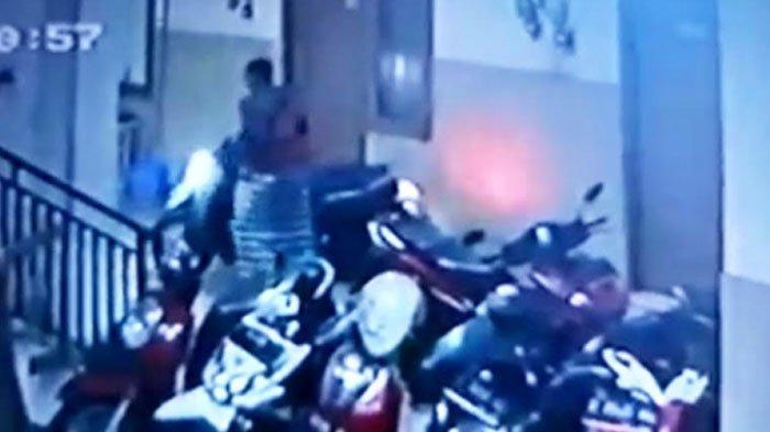 Seorang Bandit Bersarung Jarah Rumah Kos di Rungkut Surabaya, Scoopy Raib, Alarm Gak Nyala