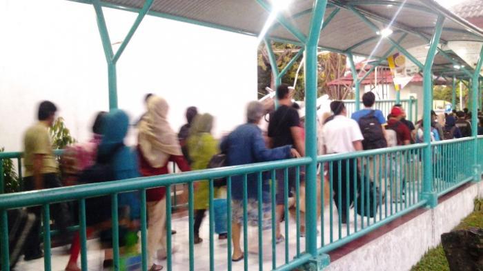 Tak Perlu Antri, Beli Tiket Bus di Terminal Purabaya Kini Bisa Lewat Internet
