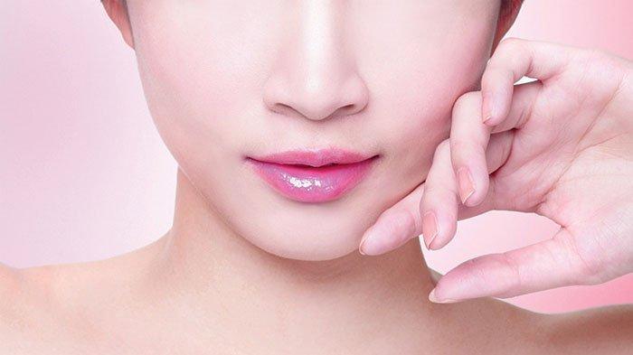 7 Cara Mencerahkan Bibir Gelap Dengan Mudah dan Alami, Hentikan Kebiasaan Menggigit Bibir
