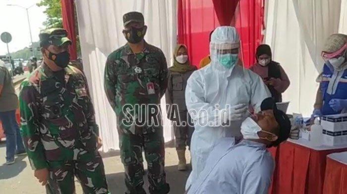 Tes Swab Antigen di Gerbang Suramadu, Sejumlah Pendatang di Kota Surabaya Reaktif