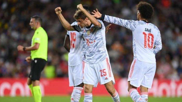 Thomas Muller saat berhasil mencetak gol lawan Barcelona di Liga Champions, Rabu (15/9/2021) dini hari