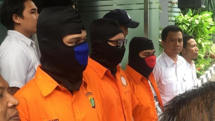 Hacker Surabaya yang Ditangkap FBI Sempat Banggakan Orangtua, Pengakuan Tetangga Bikin Kaget
