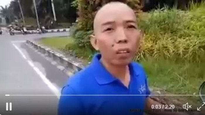 VIDEO - Bapak ini Mengaku Anggota Polisi saat Ditilang, Ditanya Jabatan eh Jawab Muter-muter . . . .