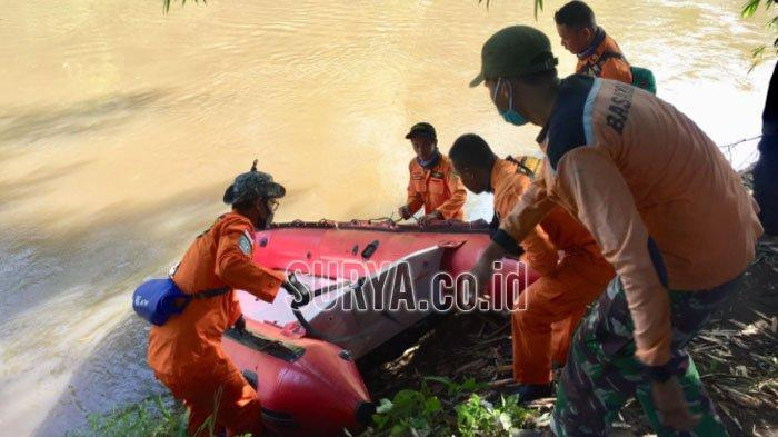 Basarnas dan Penyelam Cari Bocah yang Tenggelam di Sungai Bondoyudho Kabupaten Lumajang