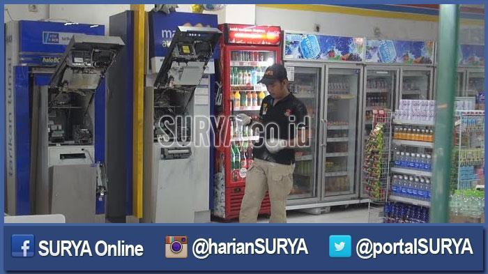 GALERI FOTO - Inilah Dampak Upaya Pembobolan ATM di Indomaret oleh 2 Pria Bertelanjang Dada - tim-identifikasi-polrestabes-surabaya_20160504_190954.jpg