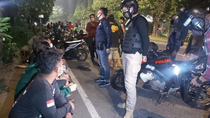 Polisi Serbu Tiga Titik Lokasi Balap Liar di Surabaya, Puluhan Pemuda dan Barang Bukti Diamankan