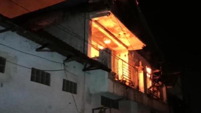 Kebakaran Terjadi di Toko Tekstil Hayati Agung Ponorogo, Diduga Akibat Korsleting Listrik