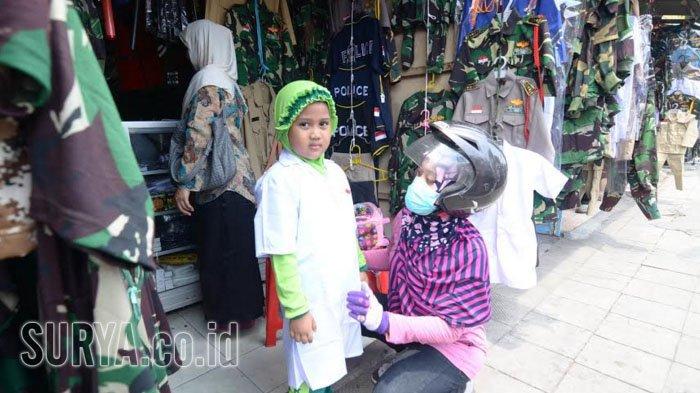 Toko Pakaian Pejuang Pulo Wonokromo Jadi Jujugan Pembeli karena Pilihan Lengkap