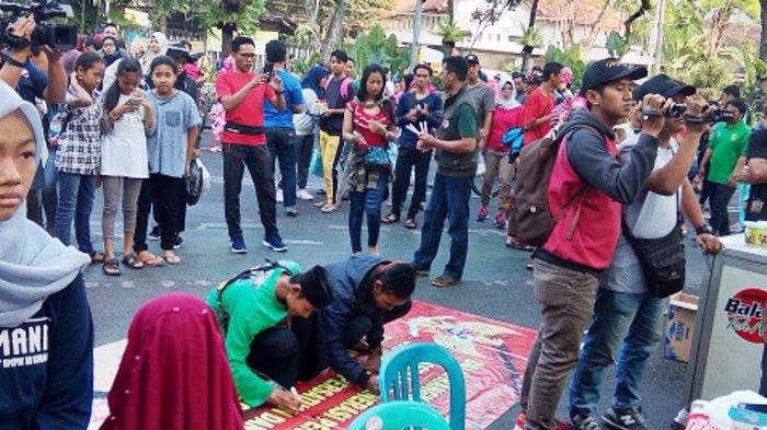 Aksi Simpatik Kelompok Masyarakat di Surabaya Melawan Radikalisme