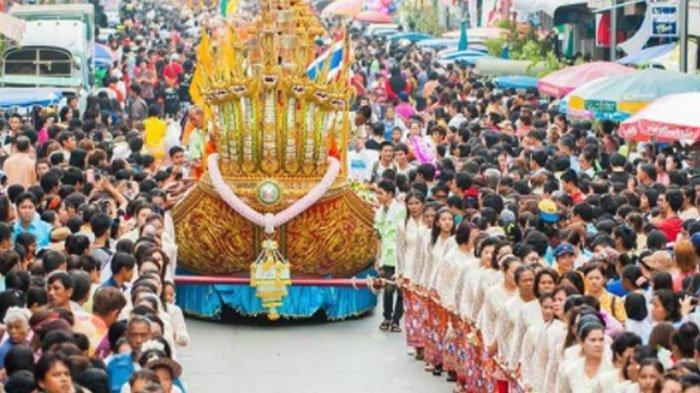 Chak Pra, Tradisi Meminta Hujan di Thailand Selatan, Setiap Orang Harus Pakai Baju Baru